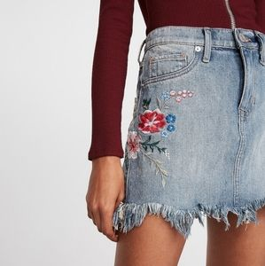 NWT Express embroidered mini skirt
